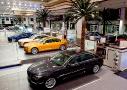 Concesionario BMW en Abu Dhabi: la faraónica concesión, cuya construcción ha durado tres años, alberga toda la gama de BMW – incluso sus motocicletas -, así como de Mini y Rolls Royce