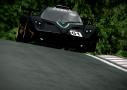 Los potentes coches que configuran este juego podrán utilizarse para competir en más de 40 circuitos de todo el mundo.