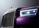 Rolls Royce Phantom VIII: detalle óptica y parrilla delantera