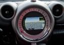 Mini Countryman Cooper S All4: en la pantalla de su gran velocímetro se integra el sistema Infotainment con funciones como el ordenador de a bordo, el GPS, sistema de audio, climatización, bluetooth, conexión a internet y ajustes del vehículo.